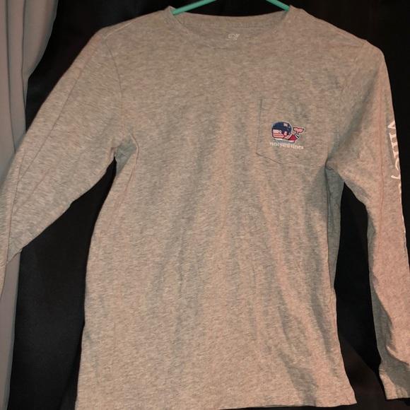 Vineyard Vines Other - Vineyard Vines hockey t-shirt